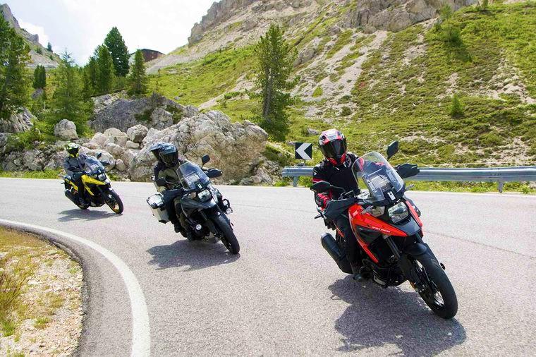 V Strom 1050XT riding on street
