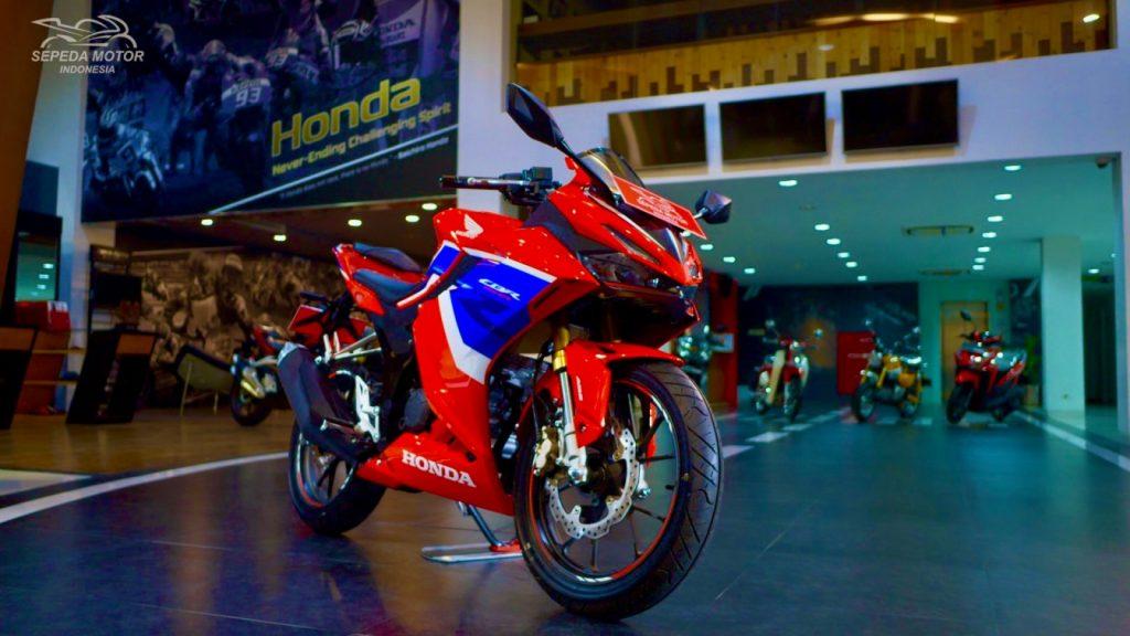 Review Motor CBR 150R 2021