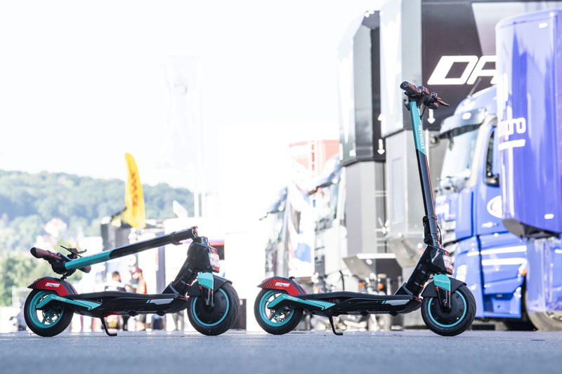 skuter tendang listrik